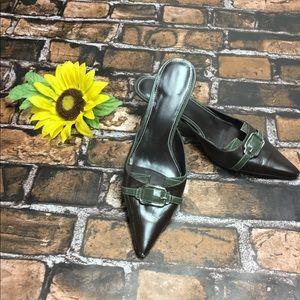 Karen Scott size 8 dark brown mule heel shoes